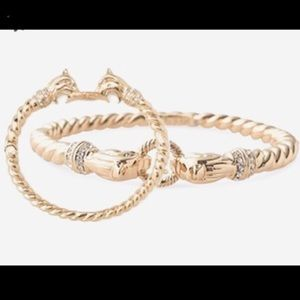 :: Stella & Dot⚜️🦁Gold Chimera Lion Head Bangle